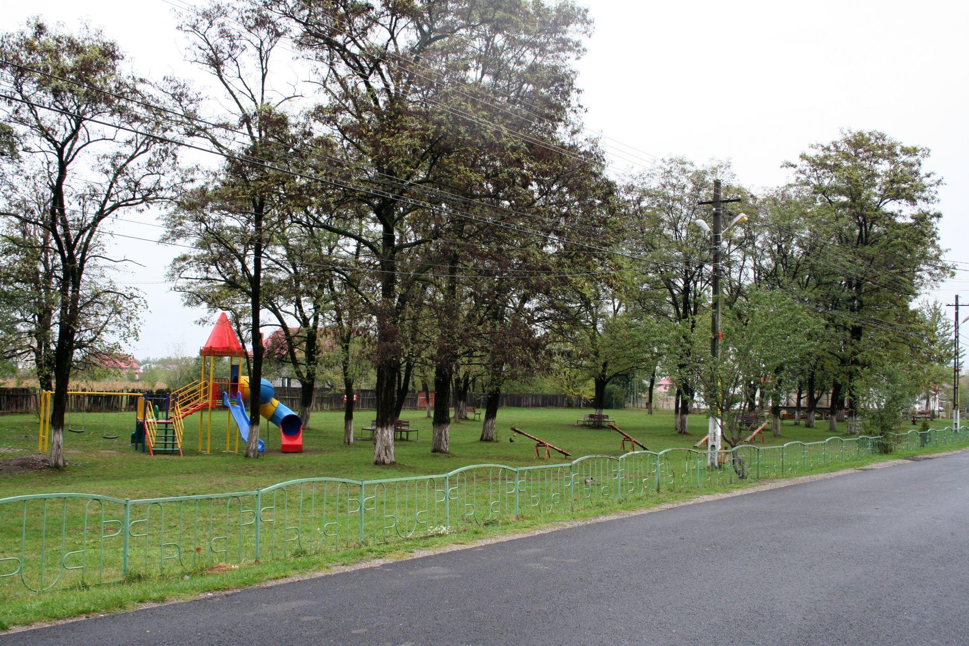 Parc_Savinesti